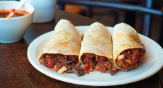 Villamelon (Foro Sol) cuenta con tacos de longaniza, cecina, chicharrón, frijoles, moronga y quesadillas.