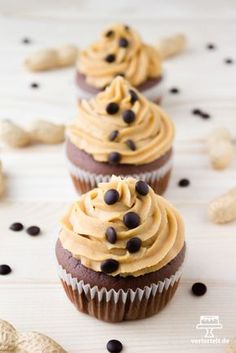 Rezept für super leckere Schoko-Erdnussbutter-Cupcakes | www.vertortelt.de