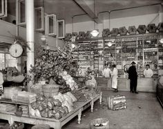 """Old Dutch Market 1920. The Washington, D.C area grocery chain advertised itself as """"The Market of Cleanliness."""""""