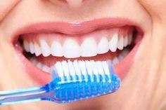 ¿Cansado ya de invertir tanto dinero en odontólogos? Con este remedio casero, natural y económico tendrás la salud bucal que siempre deseaste.