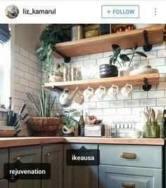 There is no question that designing a new kitchen layout for a large kitchen is much easier than for a small kitchen. A large kitchen provides a designer with adequate space to incorporate many convenient kitchen accessories such as wall ovens, raised. Home Decor Kitchen, Kitchen Interior, New Kitchen, Home Kitchens, Kitchen Ideas, Kitchen Trends, Earthy Kitchen, Awesome Kitchen, Boho Kitchen