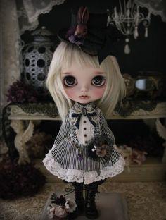 Milk Tea like custom Blythe black shadow new unused Admin - Auction - Rinkya! Japan Auction & Shopping