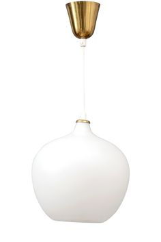 TAPIO WIRKKALA, A PENDANT LAMP. Frosted opal glass and brass fittings. 1950s. Height of the globe 28 cm.