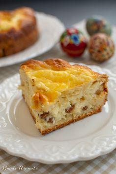 Pască cu brânză dulce și stafide - rețeta tradițională | Bucate Aromate Sweets, Desserts, Food, Pie, Romanian Recipes, Tailgate Desserts, Deserts, Gummi Candy, Candy