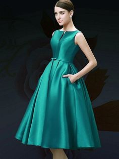 Shop Green Plunge Neck Bowknot Waist Lacing Back Prom Skater Dress from choies.com .Free shipping Worldwide.$79.9