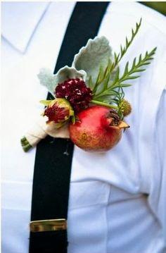 Burgundy boutonnierewith pomegranate | Burgundy Wedding | Matrimonio color borgogna | Sweet September...http://theproposalwedding.blogspot.it/ #autumn #fall #autunno