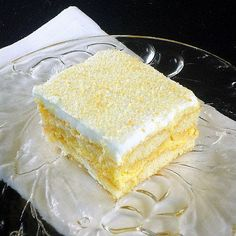 One Perfect Bite: Limoncello Tiramisu~T~ Sove this dessert in the spring Coconut Recipes, Lemon Recipes, Sweet Recipes, Cake Recipes, Dessert Recipes, Lemon Desserts, Summer Desserts, Just Desserts, Delicious Desserts