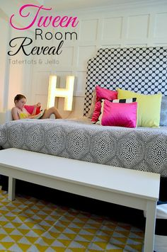 tween room - black and white with pops of color