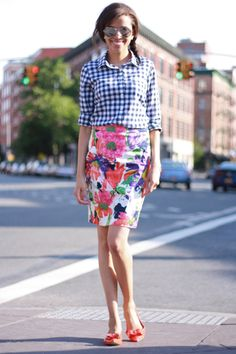 Love this spring pattern mix. The navy and fuchsia colors really make it for me.