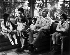 USA. California. Hollywood. 1952. Charlie CHAPLIN with his wife Oona O'Neill and their children.  © W. Eugene Smith/Magnum Photos