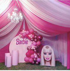 Barbie Party Decorations, Barbie Theme Party, Barbie Birthday Cake, Girl Birthday, Birthday Cake Pictures, 6th Birthday Parties, Pink Parties, Baby Party, Barbie Barbie