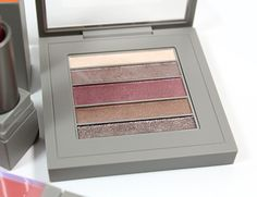 MAC Brooke Shields Collection: Trusted Instinct Veluxe Pearlfusion Shadow