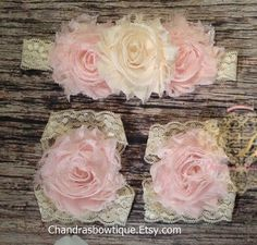 Beautiful Vintage Cream and Light Pink Baby Girl Headband and Barefoot Sandal Set! / Baby Headbands / Baby Barefoot Sandals / Headband Set by Chandrasbowtique on Etsy https://www.etsy.com/listing/268252503/beautiful-vintage-cream-and-light-pink