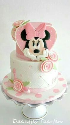 Minnie Cake amazing cake for my sister ! Bolo Do Mickey Mouse, Bolo Minnie, Minnie Mouse Cake, Pink Minnie, Pretty Cakes, Cute Cakes, Beautiful Cakes, Amazing Cakes, Baby Cakes