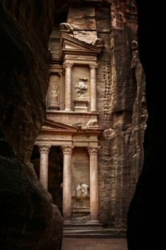 Petra >> exquisite and amazing! do love Petra Places Around The World, The Places Youll Go, Great Places, Places To See, Beautiful Places, Around The Worlds, Ancient Ruins, Amman, Wonders Of The World