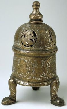 Incense burner. Bronze, gold, silver. Height 23.8 cm. Syrian metal-chasing workshop. 13th–14th century, Mamluk Sultanate, Syria