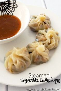 These easy Steamed Vegetable Dumplings are perfect for both an easy dinner or your next party! We've adjusted this recipe over the years to suit the kids Vegetable Recipes, Vegetarian Recipes, Cooking Recipes, Healthy Recipes, Vegetable Dish, Vegetarian Dim Sum, Healthy Food, Chinese Vegetables, Cuisine