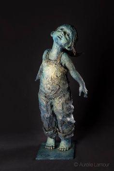 "Jurga sculpteur ""Flying"" , bronze Sculptures Céramiques, Art Sculpture, Bronze Sculpture, Turkish Tiles, Critique D'art, Totems, Organic Ceramics, Statues, Good Night Friends"