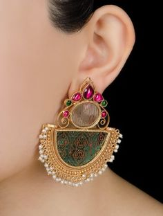 Buy Silver Jewelry at best price. Shop silver jewlery necklace, silver earrings, bracelets, bangles and much more from our exquisite collection of handcrafted silver jewelry Indian Jewelry Earrings, Fancy Jewellery, Jewelry Design Earrings, Ear Jewelry, Trendy Jewelry, Designer Earrings, Jewelry Sets, Wedding Jewelry, Silver Earrings