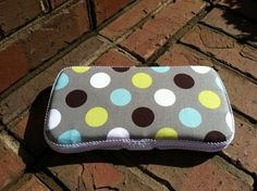 Mod Dots Boutique Style Travel Baby Wipe Case-Boy Print. $8.00, via Etsy. Diaper Wipe Case, Baby Wipe Case, Wipes Case, Baby Wipes Container, Diaper Clutch, Minky Blanket, Traveling With Baby, Diy Craft Projects, Fabric Covered