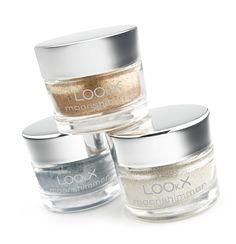 LOOkX Loose eyeshadow powder is een losse poederoogschaduw met een ultraglanzende finish. De zeer fijne structuur in combinatie met de hoge pigmentatie garandeert een perfecte, glanzende oogmake-up de hele dag lang. Kan ook gebruikt worden om jukbeenderen, lippen en het decolleté een subtiele glans te geven. #LOOkX #BeautyinaBox