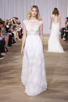 Pin for Later: 150 Must-See Styles From Bridal Fashion Week Autumn/Winter 2016 Ines Di Santo