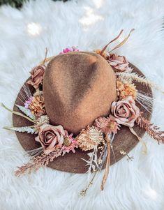 Boho Wedding Flowers, Flower Crown Wedding, Crown Flower, Wedding Hats, Fall Wedding, Wedding Ideas, Chic Wedding, Silk Flowers, Dried Flowers