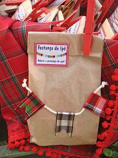 Cesta com lembrancinhas para festa junina em papel craft. #festajunina #lembrancinha #embalagem #june