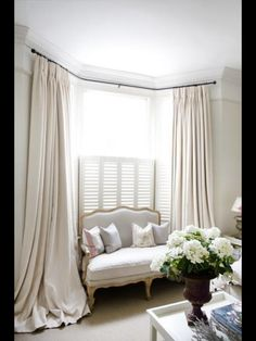 Bay Window Ideas - Search photos of living room bay window. Locate ideas as well as motivation for living room bay window to add to your own house. Bay Window Bedroom, Bedroom Windows, Bay Windows, Bedroom Curtains, Corner Windows, Ikea Curtains, Burlap Curtains, Small Windows, Hanging Curtains