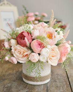 Beautiful Bouquet Of Flowers, Beautiful Flower Arrangements, Happy Flowers, Flower Bouquet Wedding, Floral Arrangements, Beautiful Flowers, Peony Arrangement, Peonies Centerpiece, Flower Box Gift