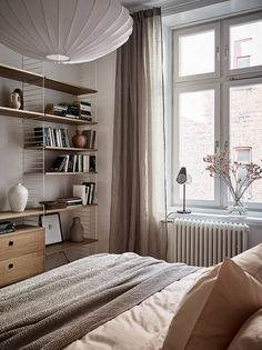 〚 Beautiful color makes the interiors of this Gothenburg apartment chic and cozy sqm) 〛 ◾ Photos ◾Ideas◾ Design Luxury Homes Interior, Home Interior, Interior Design, Interior Livingroom, Scandinavian Bedroom, Scandinavian Design, Interior Minimalista, Minimalist Decor, Modern Minimalist