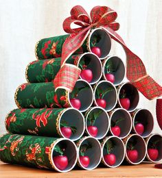 Simple and creative Christmas decorations Christmas Arts And Crafts, Homemade Christmas Gifts, Christmas Sewing, Diy Christmas Tree, Christmas Gift Wrapping, Xmas Crafts, Christmas Holidays, Diy And Crafts, Crafts For Kids