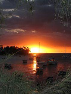 Coucher de soleil pris a marie galante photos de vacances de antilles location guadeloupe - Meteo lever et coucher du soleil ...