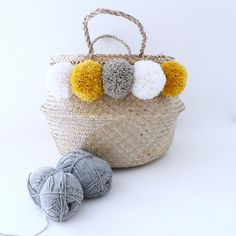 Originally, basket ball is used to carry the rice harvest in the rice fields in Southeast Asia. It is known for convenient volume, its ability to fall back on itself even become a basket, and especially Bohemian and minimalist design. With its two handles, it can all become just a nice