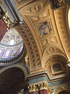 The detail inside St. Stephens Basilica