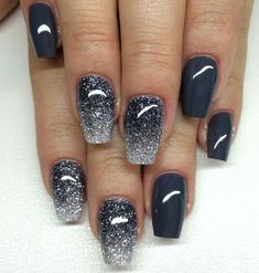 130 Easy And Beautiful Nail Art Designs 2018 Just For You Nail art designs and ideas for different types of nails like, long nails, short nails, and medium nails. Check out more all Nail art designs here. Cute Gel Nails, Glitter Gel Nails, Long Acrylic Nails, Long Nails, Short Nails, Acrylic Tips, Glitter Art, Blue Glitter, Acrylic Art