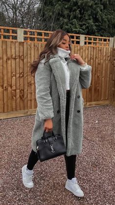 Stylish Winter Outfits, Winter Fashion Outfits, Fall Winter Outfits, Cute Casual Outfits, Autumn Fashion, New York Winter Outfit, Dressy Fall Outfits, Winter Wear, New York Outfits