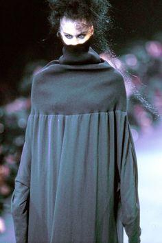 Comme des Garçons Fall 1992 Ready-to-Wear Accessories Photos - Vogue