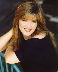 Crystal Bernard - Always wanted her hair! Hot Actresses, Beautiful Actresses, Celebrity Measurements, Height And Weight, American Actress, Pretty Woman, Her Hair, Movie Stars, Beautiful Women