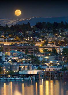 Beautiful Moon in Seattle