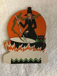 Gibson Placecard witch at Cauldron Cat Vintage Halloween Halloween Items, Halloween Ghosts, Halloween Cards, Vintage Halloween, Halloween Decorations, Fortune Cards, Owl Moon, Pumpkin Man