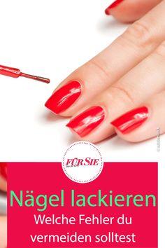 Lackierte Nägel sehen bei dir nie wirklich schön aus? Das kann daran liegen, dass du die immer gleichen Fehler machst. Welche du unbedingt vermeiden solltest! #nägel #fingernägel #fußnägel #nägellackieren #fingernägellackieren #fußnägellackieren #fuersiemagazin Nails, Beauty Tutorials, Pool Chairs, Nice Asses, Finger Nails, Ongles, Nail, Sns Nails