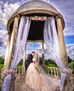 Gratis prøvetime booker du på www.snefridshus.no Vennlig hilsen Snefrid 💃 Wedding Portraits, Wedding Photos, Destination Wedding, Wedding Planning, Celebrity Photographers, Strictly Weddings, Beautiful Gowns, Countryside, Wedding Gowns