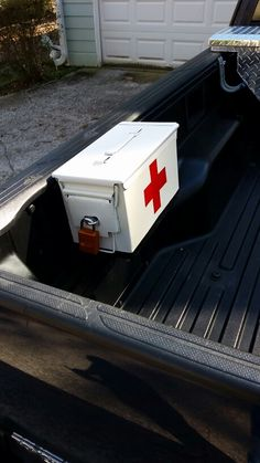 Old ammo can turned into emergency box. Mounted to Tacoma rail.