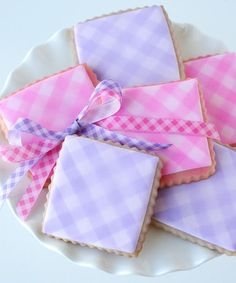 Easy Gingham Cookies using spray food coloring {Cookie Decorating} » from @Elizabeth Kennedy Treats