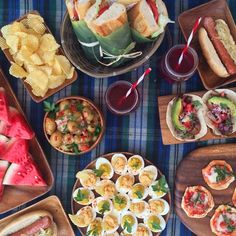 Picnic time at our photo shoot. Happy summer!! #summer #picnic #food #foodporn #acaciaware #pacificmerchants #bbq #snacks #photoshoot #foodphotographyFollowing
