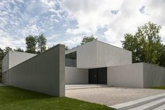 DM Residence /by Belgian office CUBYC architects. Photo by Koen van Damme.