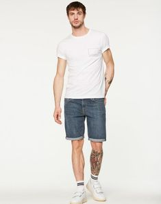 Neil Denim Shorts Vintage Wash aus Biobaumwolle vegan und fair hergestellt #fairfashion #veganemode Jeans, Denim Shorts, Sporty, Vintage, Shopping, Style, Fashion, Vegan Fashion, Trousers