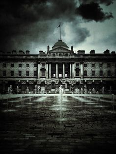 Eerie quiet in central London on Behance