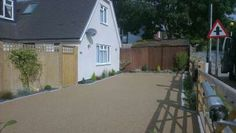 Ronacrete UV SUD Compliant RonaDeck Resin Bound Surfacing for driveways installed by PJJ Contractors
